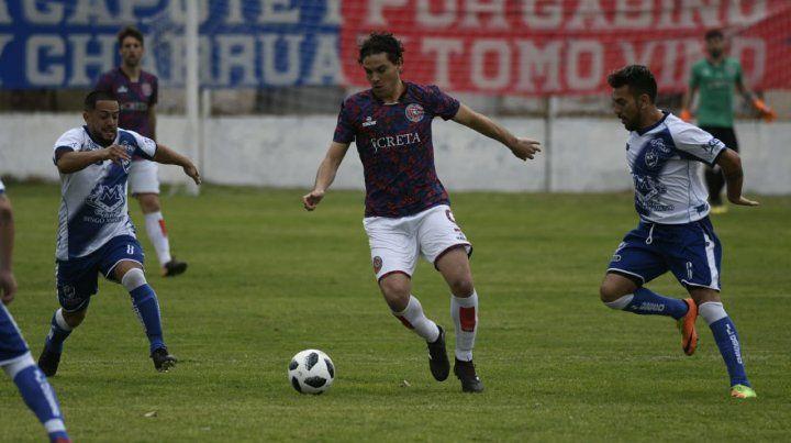 Va por más. El goleador charrúa Lucio Cereseto buscará seguir afilado en las redes.