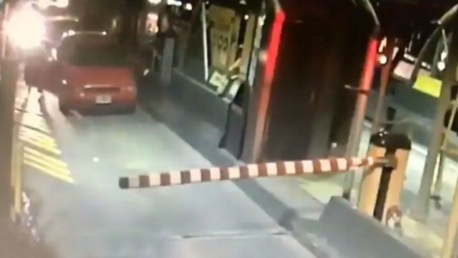 El video del crimen en el peaje cometido por un prefecto