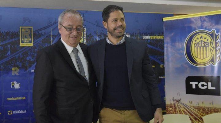 Broglia le cedió el mando al electo presidente Rodolfo Di Pollina.