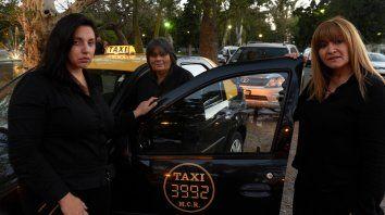 Mujeres taxistas piden créditos para comprar mamparas antivandálicas
