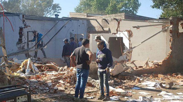 Esta mañana comenzó la demolición de viviendas.
