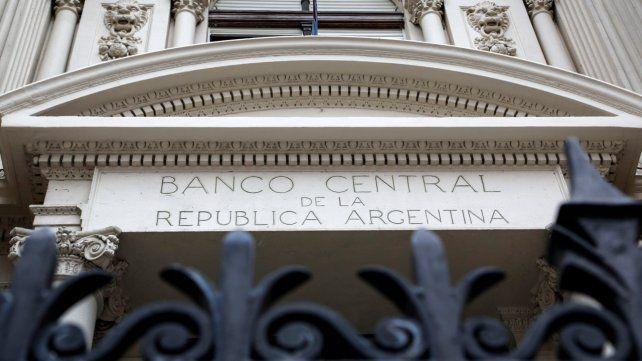 BCRA. La autoridad monetaria determina el rango de tasas en el país.