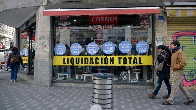 Se derrumba la confianza de consumidores locales