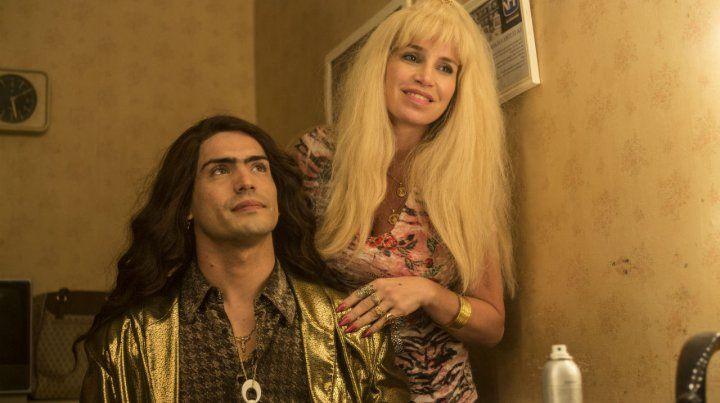 Rodrigo Romero y Florencia Peña interpretan al cantante cordobés y a su madre.