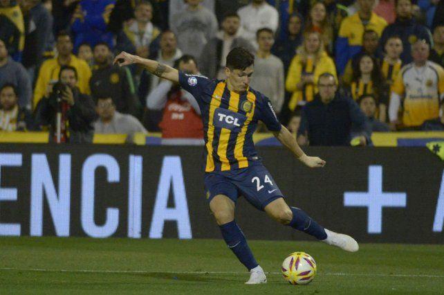 Juega y se va. Parot estará mañana ante Unión y luego se sumará a la selección chilena.