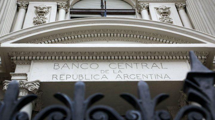 La autoridad monetaria determina el rango de tasas en el país.