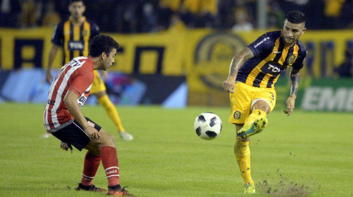 Reaparece. Elías Gómez será el lateral izquierdo esta tarde en el cotejo ante Unión. Mientras que Parot irá de segundo zaguero.