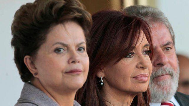 Aval. Dilma y Lula se solidarizaron con Cristina y denunciaron una estrategia global contra el progresismo.