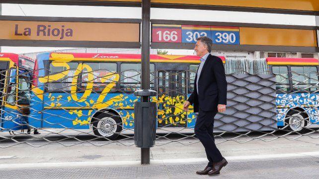 Aumentos. El presidente Macri instó a los consumidores a ajustarse para llegar a fin de mes.