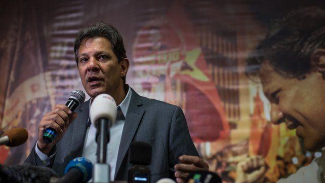 Ríspida Campaña. El candidato del PT sostiene que los brasileños tienen que conocer el pensamiento de su rival.