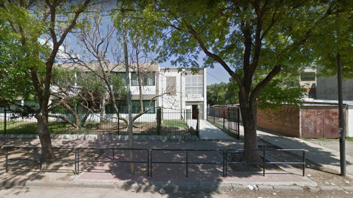 La directora de lala Escuela Provincial Nº 1346 Dr. Francisco Netri fue golpeada por la madre de un alumno.