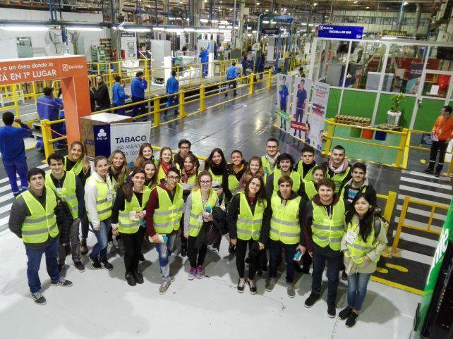 Nuevo encuentro de estudiantes de ingeniería industrial