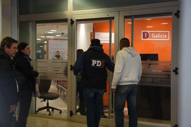 El Gabinete Criminalístico de la Policía de Investigaciones recabó ayer testimonios de las víctimas.