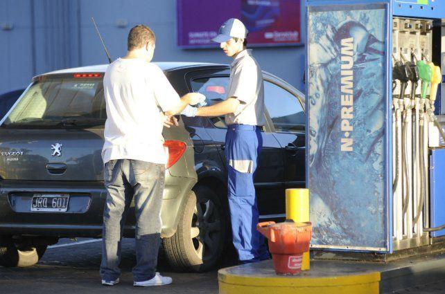 Expendio de combustible. Los comercios del rubro atraviesan una difícil situación económica.