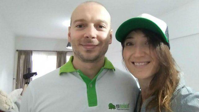 Diego e Ivana, los jóvenes que brindaron detalles del emprendimiento.