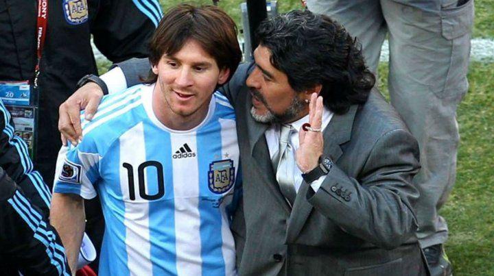 Messi y Maradona en el mundial de Sudáfrica.