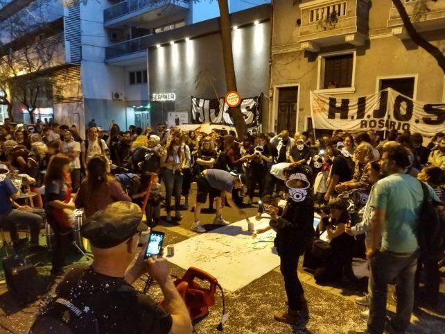 La agrupación Hijos realizó un escrache al represor Manuel Cunha Ferré