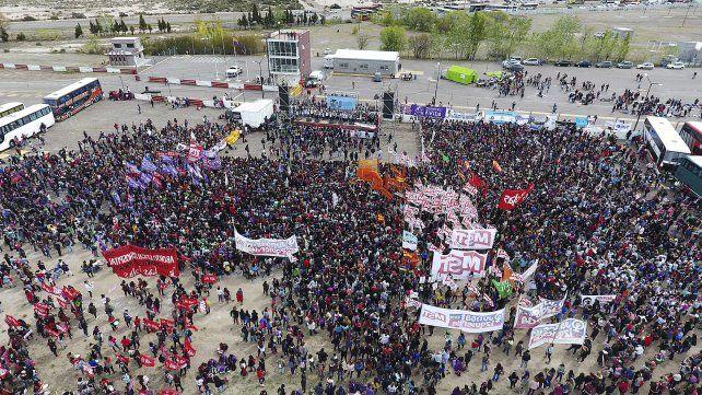 Miles de mujeres le dan marco al Encuentro Nacional en Trelew