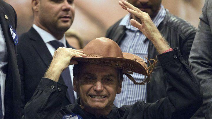 En punta. Bolsonaro se granjeó el rechazo de sectores importantes de la sociedad brasileña por su retórica fascista.