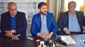 Diciembre 2017. Bermúdez, el ministro Pullaro y Broglia en la previa al último clásico.