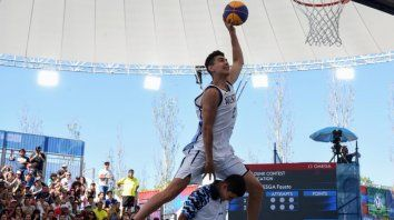el bahiense ruesga se quedo con el oro en volcadas de basquetbol