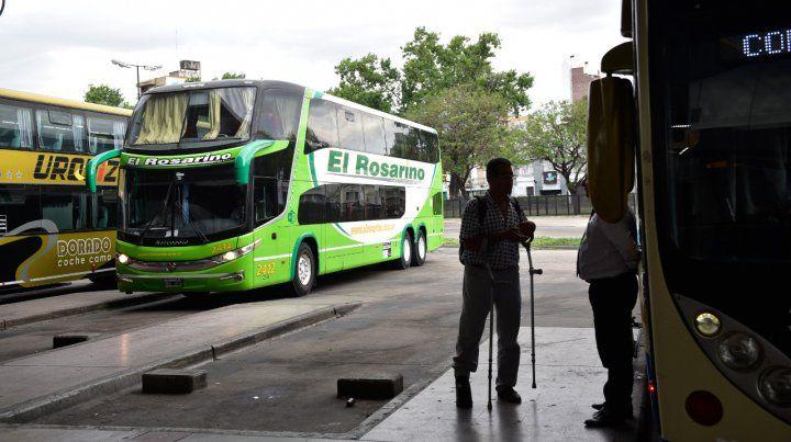 En problemas. Los empresarios reclaman una solución para no trasladar los aumentos a los pasajeros.