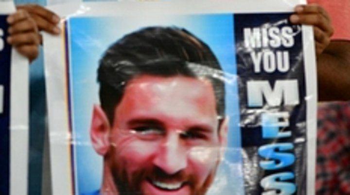 Los hinchas árabes extrañaron a Messi