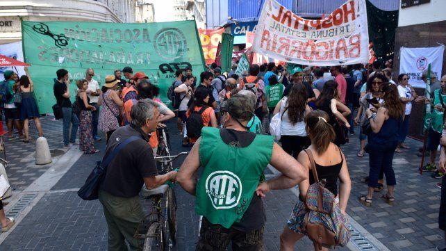 ATE, Amsafé y Siprus se movilizarán mañana en reclamo de la reapertura de paritarias