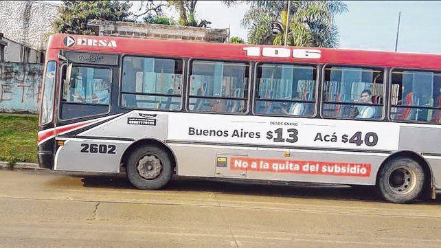 Advertencia. Así luce un colectivo en la ciudad de Corrientes