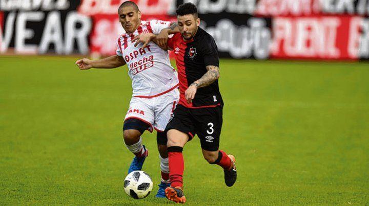 Leonel Ferroni. El lateral de la cantera es una opción de recambio ante Tigre.