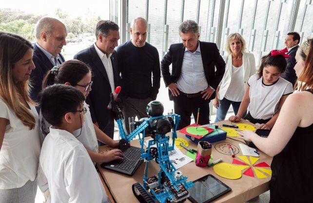 Macri: De la mano de la educación aspiramos a generar trabajo y reducir la pobreza