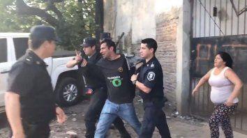 un video muestra como arrestaron al acusado de matar a sheila