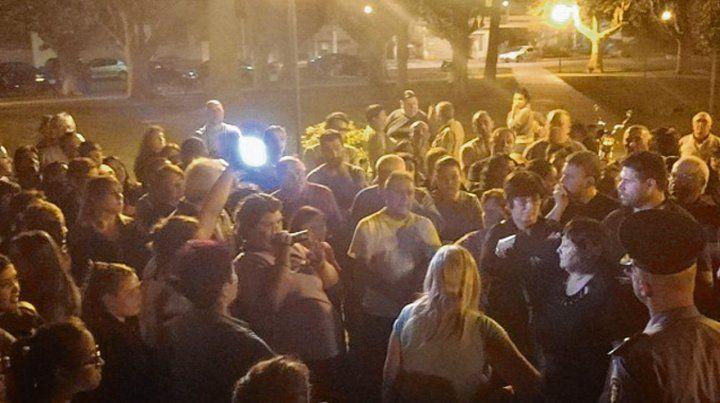 Reclamo. Una multitud se congregó en la céntrica plaza San Martín.