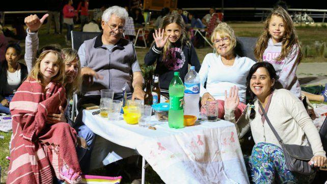 Las fotos del picnic nocturno que estrenó el parque de la Arenera
