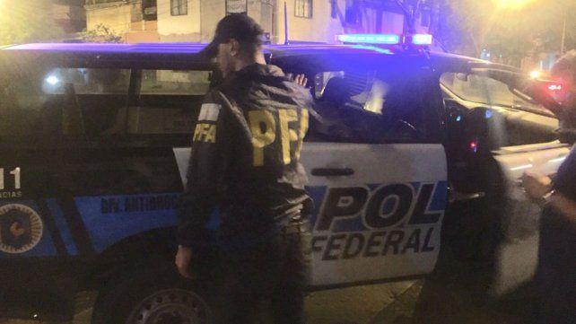 Detuvieron a un hombre que vendía drogas en un bar de Echesortu