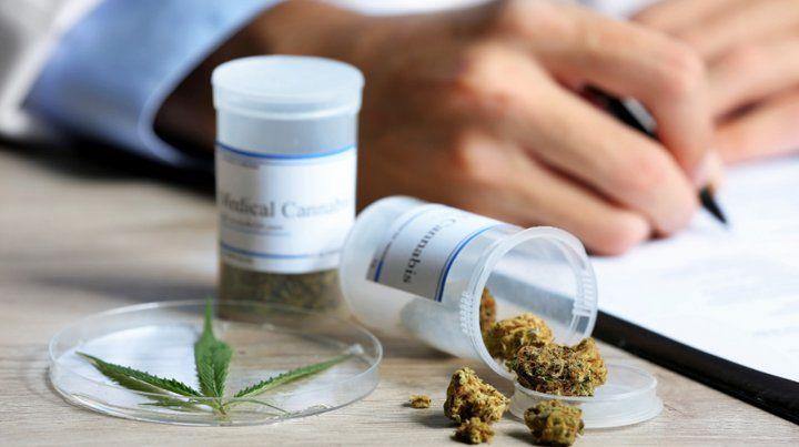 Un fallo judicial obliga a una prepaga a cubrir tratamiento con aceite de cannabis