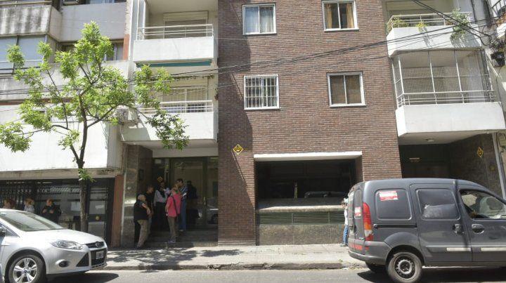 Falleció al caer por el hueco de un ascensor en España al 500