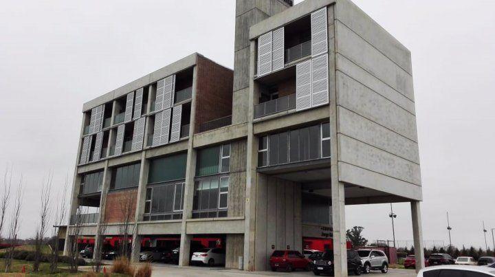 El nuevo hotel de Newells en Bella Vista que donó el Loco.