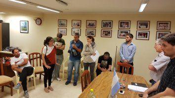 El papá y la mamá de Zoe, Pablo Giraudo y Sonia Gonzalez (izquierda), plantearon a los ediles la desesperante situación que enfrentan.