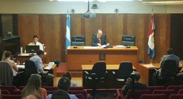 Resolución sorpresiva. El juez Benjamín Revori mandó a su casa a los 16 imputados en la magaestafa.