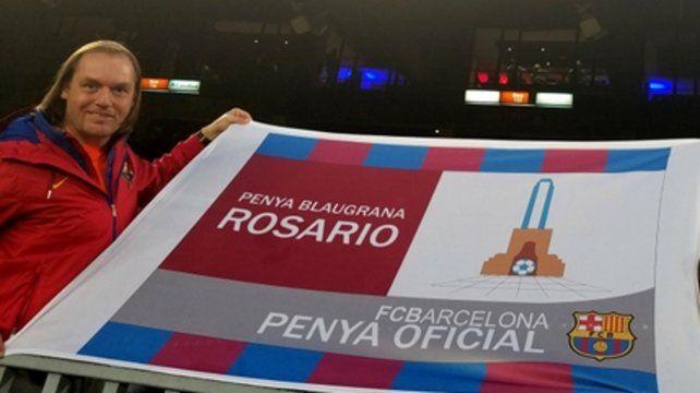 Blaugrana. Brizzio y la bandera que lo identifica.