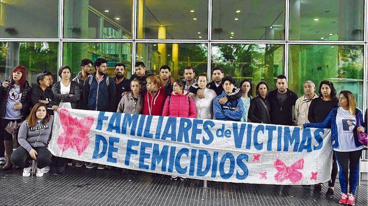 Dolor. Familiares y allegados a Marisol se encontraron ayer en el Heca para reclamar justicia por el crimen.