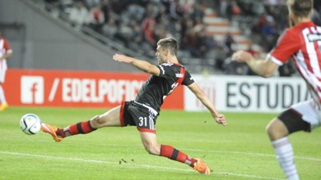 Marcó el primero del 2 a 0. Lucas Boyé hizo pocos goles en Newells