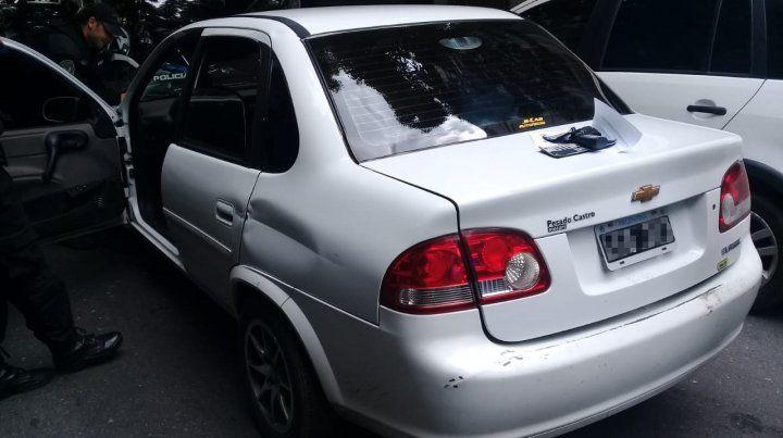 El vehículo secuestrado tras el arresto.