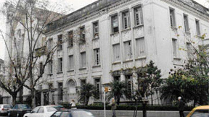 Desde el Ministerio de Educación de Santa Fe confirmaron que existe un expediente por la situación registrada en el colegio de Oroño al 900.