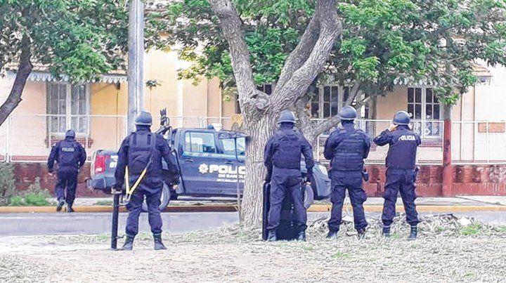 Operativo. La Justicia Federal ordenó el allanamiento realizado por la Brigada Antinarcóticos de la Policía provincial.
