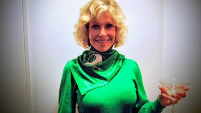 Jane Fonda posó con el pañuelo verde a favor del aborto