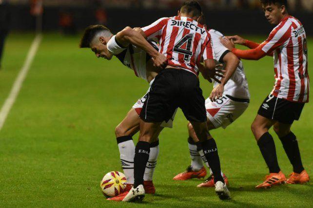 Newells jugó bien, generó mucho y no pudo: perdió 1 a 0 con Estudiantes
