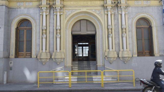 Los educadores se darán cita en el colegio de Mendoza y Alem.