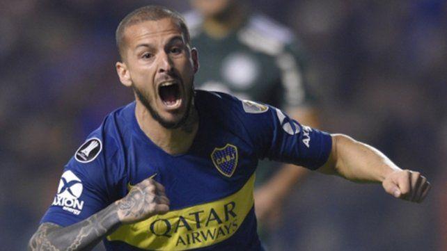 Momento de gloria. Benedetto ya marcó el 1 a 0 y desata la euforia xeneize en la recargada Bombonera frente a Palmeiras.